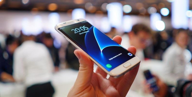 Verizon Galaxy S7 poate instala aplicatii de unul singur