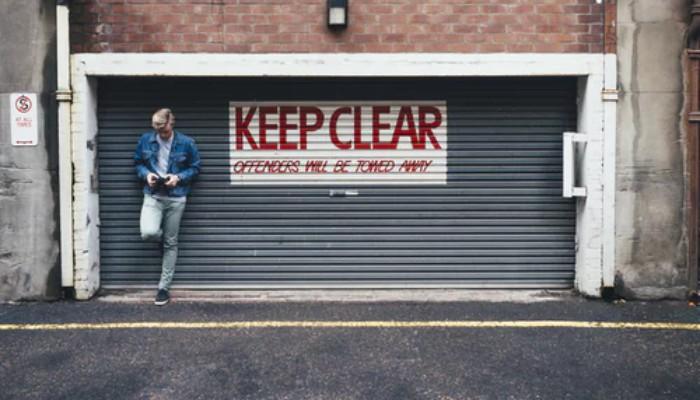 Cum-alegi-modul-de-deschidere-al-unei-usi-de-garaj