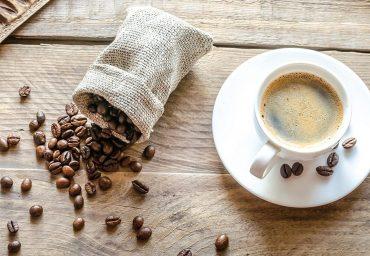 Cand a fost descoperita si ce beneficii poate avea cafeaua?