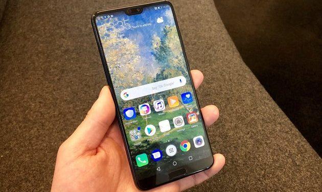 Cand poate ajunge un telefon Huawei in service?