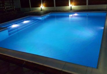 De ce este indicat sa aveti iluminat cu led la piscina?