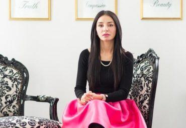 Despre ce este vorba in cartea lansata de Vanessa Youness Amal?