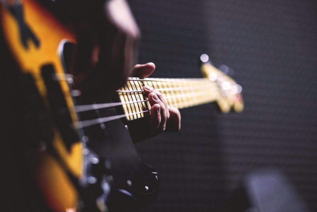 Mari chitaristi ai tuturor timpurilor